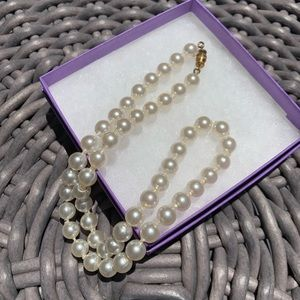 Jewelry - Vintage Costume Pearl Necklace